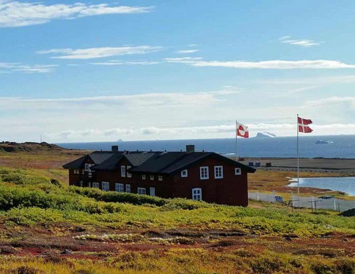 history-walk-qeqertarsuaq-disko-bay-Guide to Greenland2