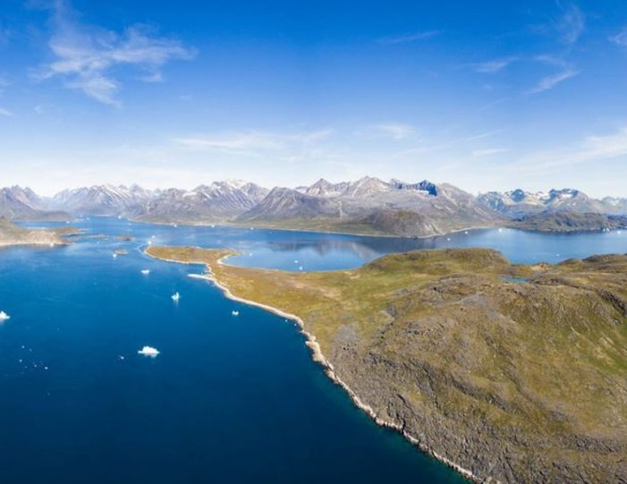 hot-spring-uunartoq-by-helicopter-qaqortoq-south-greenland - Guide to Greenland1