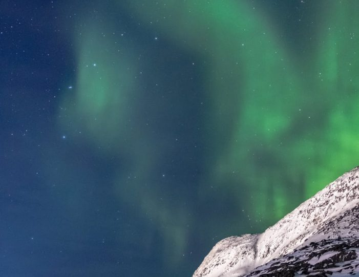 hunting-northern-lights-with-snowmobile-ilulissat-guide to greenland (7)