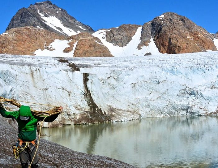 ice-climbing-ice-cave-tour-east-greenland - Guide to Greenland4