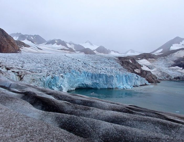ice-climbing-ice-cave-tour-east-greenland - Guide to Greenland7