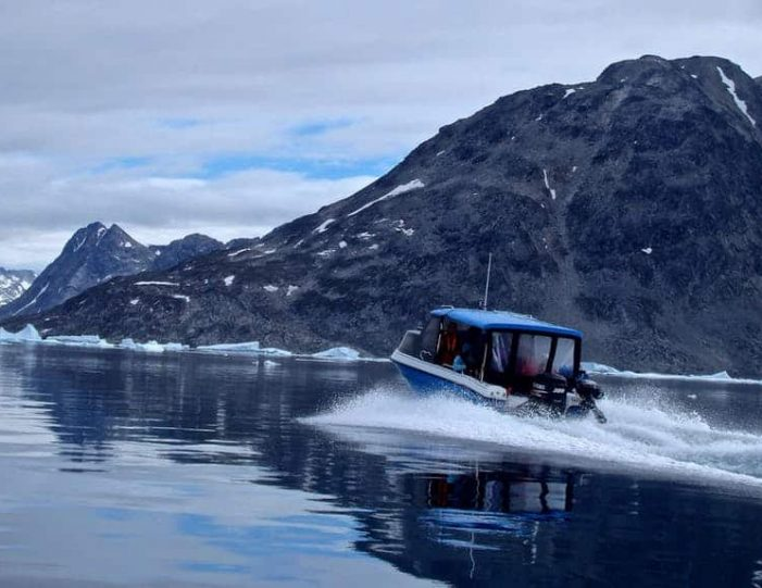 ice-climbing-ice-cave-tour-east-greenland - Guide to Greenland8