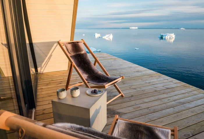 The deck of the accommodation at ilimanaq lodge - ilulissat - Guide to Greenland