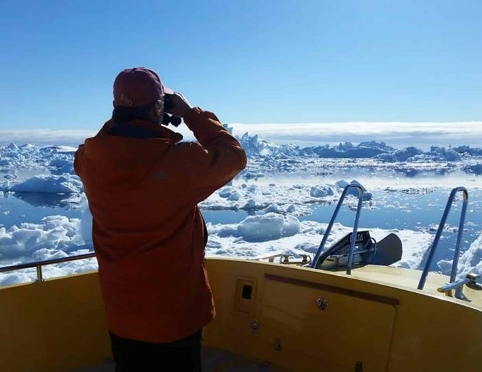 ilimanaq-settlement-visit-private-tour-ilulissat-disko-bay-Guide to Greenland3