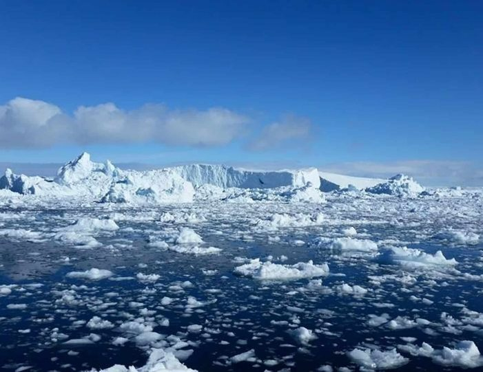 ilimanaq-settlement-visit-private-tour-ilulissat-disko-bay-Guide to Greenland4