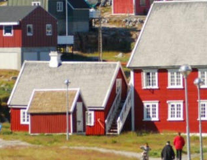 ilulissat-citywalk-ilulissat-disko-bay - Guide to Greenland (1)