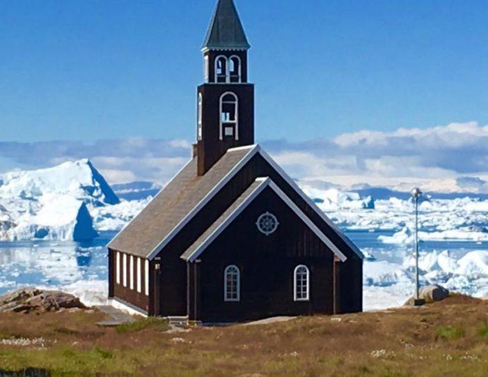 ilulissat-citywalk-ilulissat-disko-bay - Guide to Greenland (4)