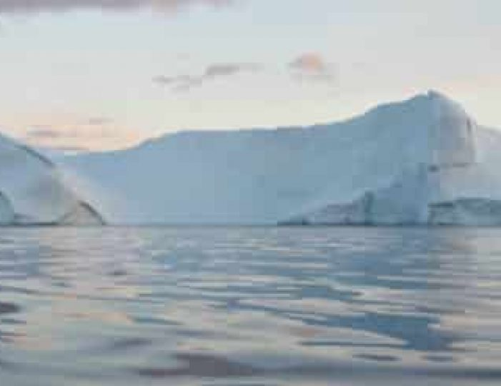 kayaking-the-ilulissat-icefjord-ilulissat-disko-bay - Guide to Greenland (4)