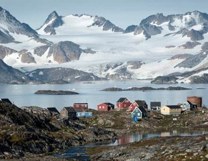 kulusuk-classic-daytour-east-greenland - Guide to Greenland (1)