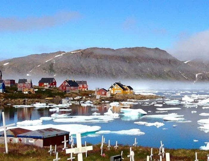 kulusuk-classic-daytour-east-greenland - Guide to Greenland (3)