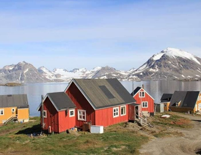 kulusuk-classic-daytour-east-greenland - Guide to Greenland (6)