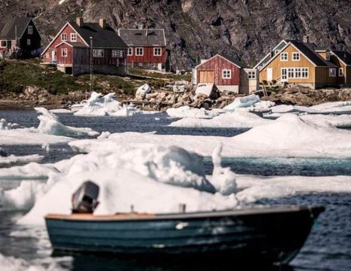 kulusuk-day-tour-east-greenland - Guide to Greenland3