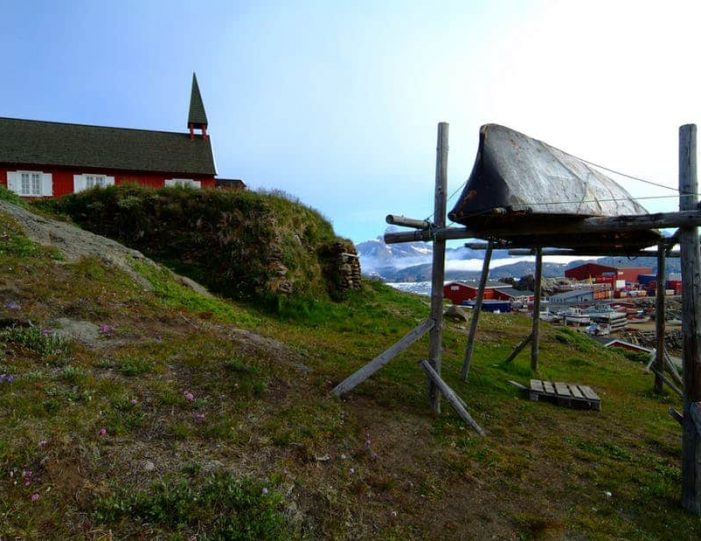 land-of-colorful-icebergs-tasiilaq-east-greenland-Guide to Greenland1