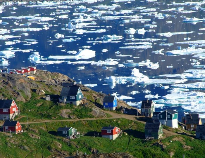 land-of-colorful-icebergs-tasiilaq-east-greenland-Guide to Greenland13