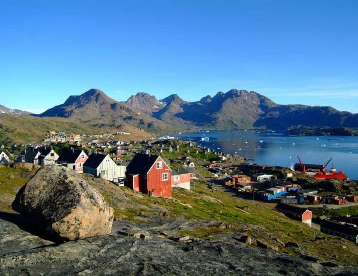 land-of-colorful-icebergs-tasiilaq-east-greenland-Guide to Greenland3