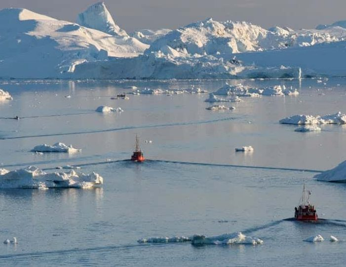 land-of-icebergs-disko-bay-Guide to Greenland16