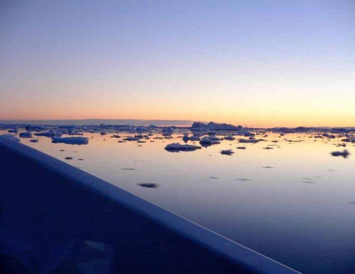 midnight-cruise-to-ilulissat-icefjord-ilulissat-disko-bay - Guide to Greenland (1)