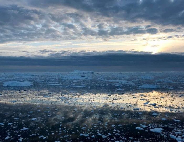 midnight-cruise-to-ilulissat-icefjord-ilulissat-disko-bay - Guide to Greenland (3)