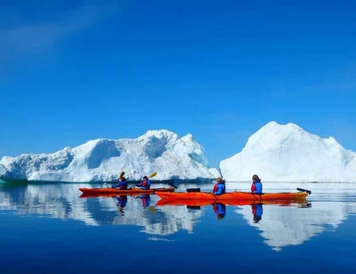 morning-kayak-among-icebergs-ilulissat-disko-bay - Guide to Greenland (4)