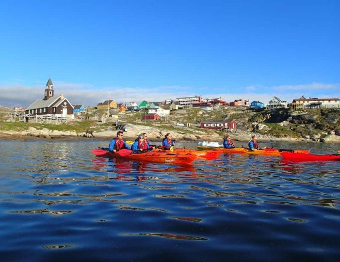 morning-kayak-among-icebergs-ilulissat-disko-bay - Guide to Greenland (6)