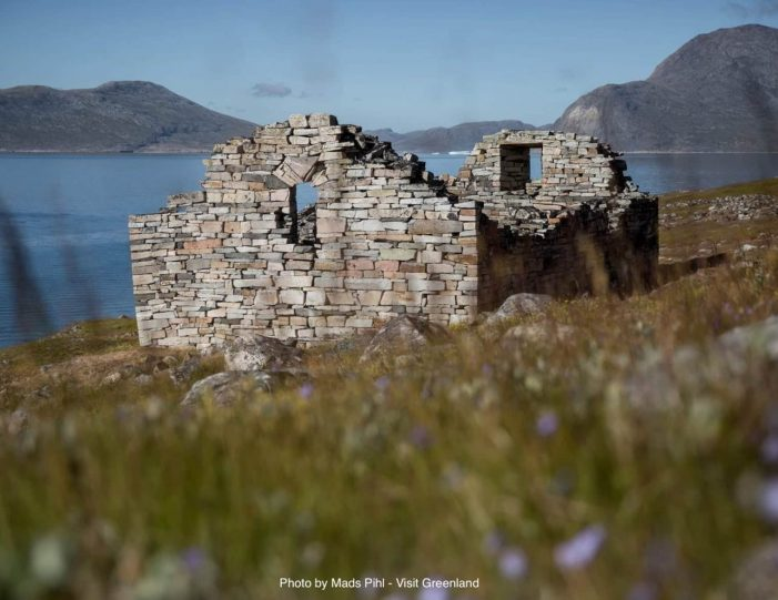 narsarsuaq-easy-package-1-day-south-greenland-Guide to Greenland8