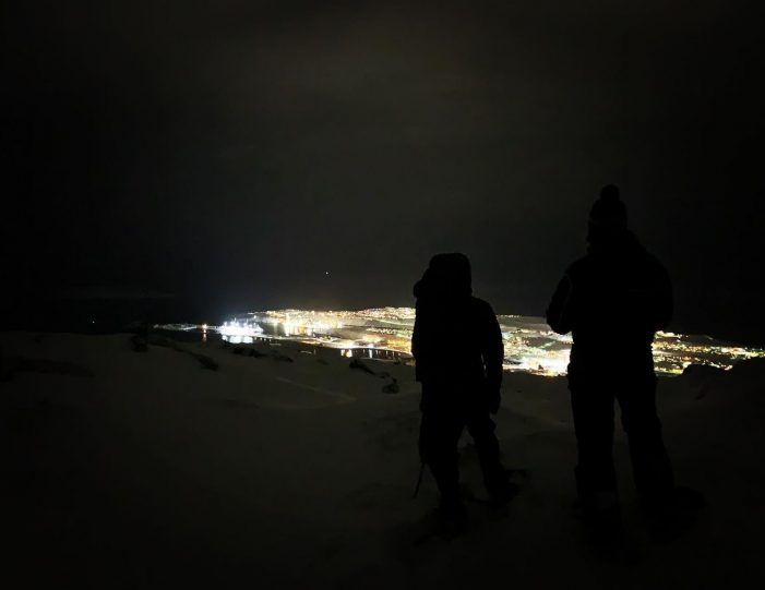 northern-lights-from-a-mountain-top-snowshoe-tour-in-nuuk - Guide to Greenland4