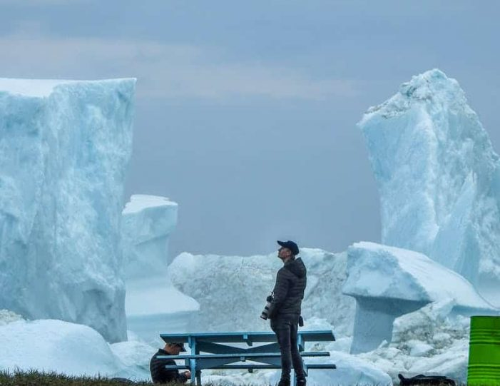 northwest-greenland-in-autumn-icebergs-glaciers-and-inuit-settlements-Guide to Greenland5