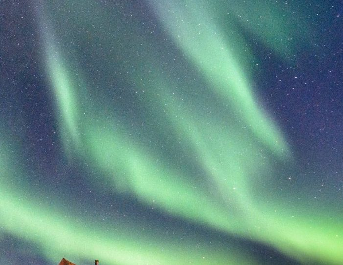 northwest-greenland-in-autumn-icebergs-glaciers-and-inuit-settlements-Guide to Greenland8