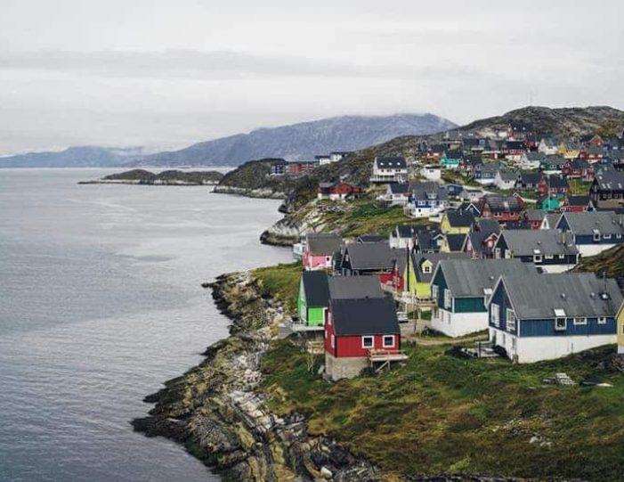nuuk-city-tour-by-car - Guide to Greenland (3)