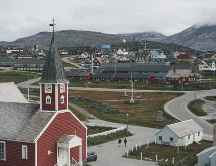 nuuk-city-tour-by-car - Guide to Greenland (4)