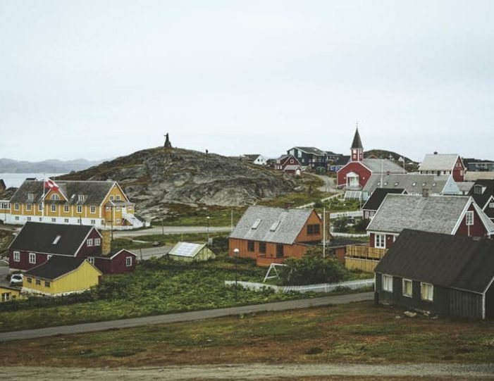 nuuk-city-tour-by-car - Guide to Greenland (5)