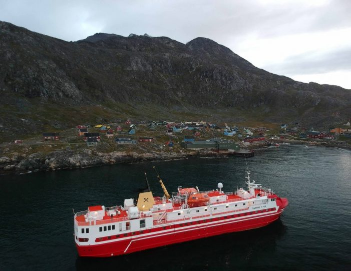 nuuk-ilulissat-and-disko-island-package-west-greenland-Guide to Greenland5