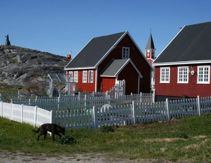 nuuk-the-worlds-smallest-capital-4-day-package-tour-from-iceland-to-greenland-day-Guide to Greenland12