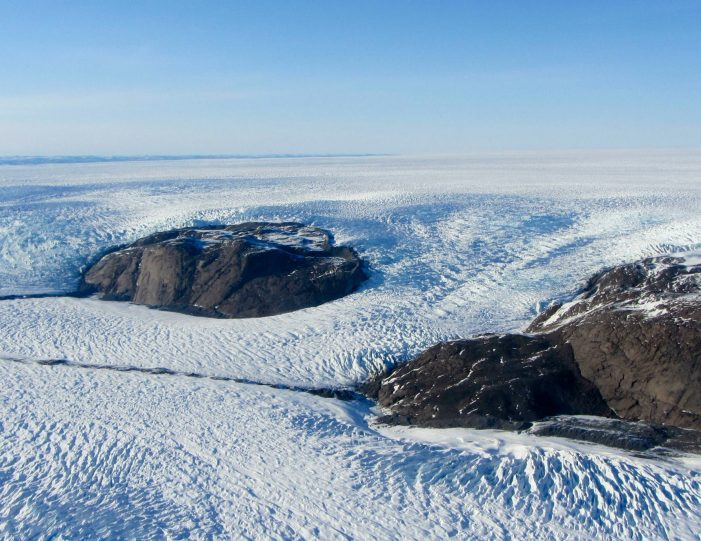 paradise-valley-ice-cap-tour-kangerlussuaq-Guide to Greenland10