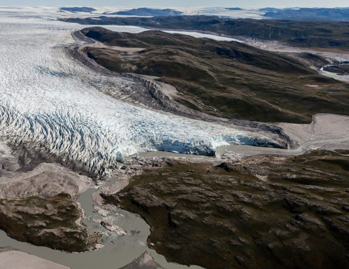 paradise-valley-ice-cap-tour-kangerlussuaq-Guide to Greenland5