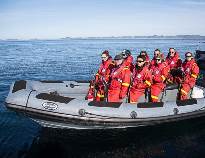 pay-by-the-hour-power-boat-i-nuuk - Guide to Greenland12