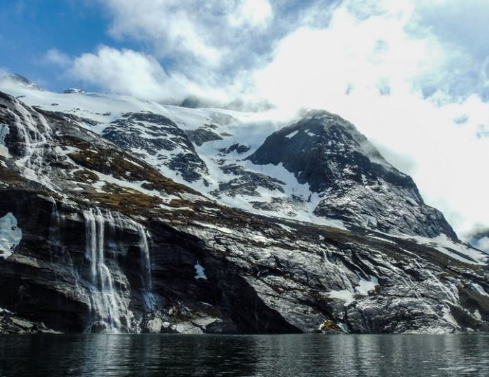 pay-by-the-hour-power-boat-i-nuuk - Guide to Greenland9