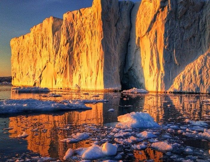 pay-by-the-hour-private-charter-ilulissat-disko-bay - Guide to Greenland4