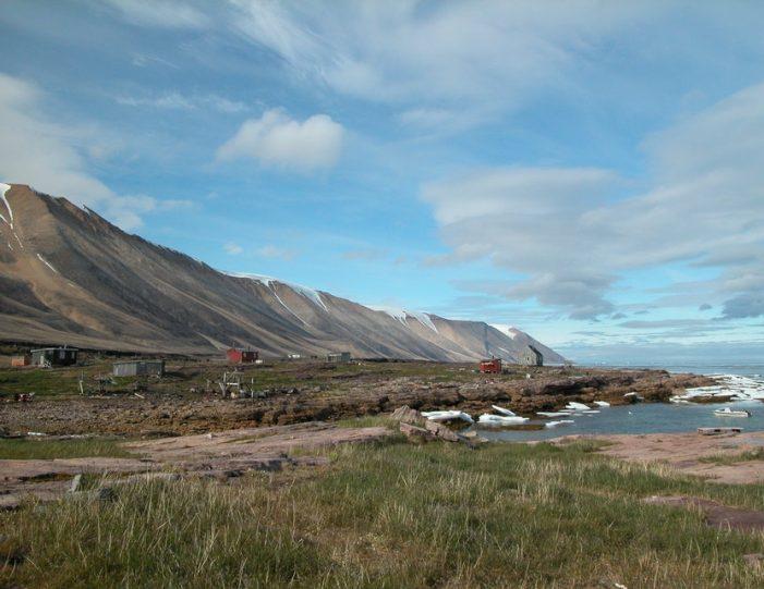 picturesque-settlement-qeqertarsuaq-qaanaaq - Guide to Greenland9