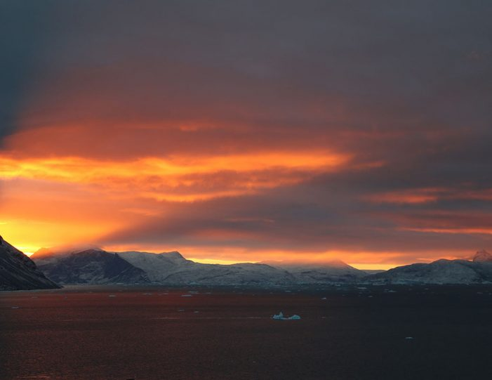 private-boat-charter-uummannaq-north-greenland-Guide to Greenland7