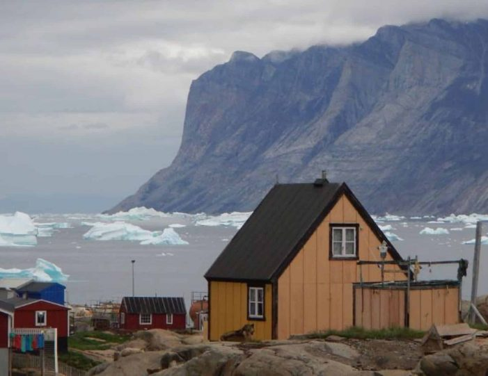 private-glacier-and-settlement-tour-uummannaq-north-greenland-Guide to Greenland2