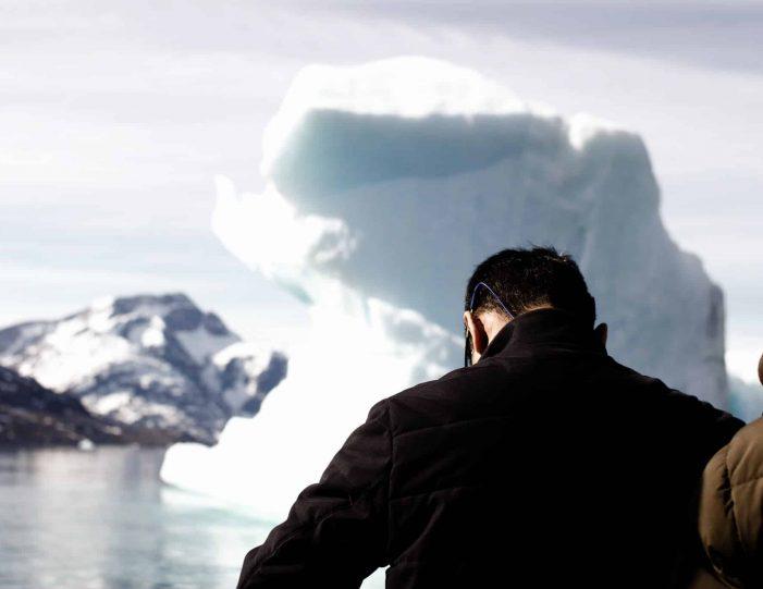 private-glacier-cruise-narsap-sermia-glacier-nuuk-Guide to Greenland10