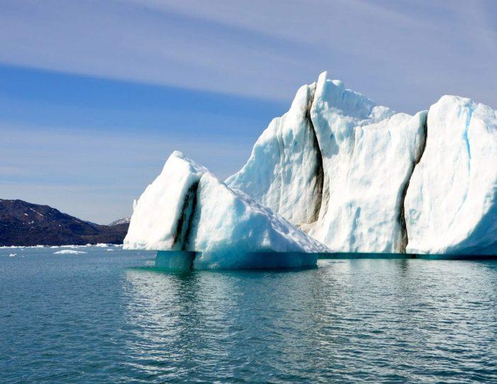 private-glacier-cruise-narsap-sermia-glacier-nuuk-Guide to Greenland12