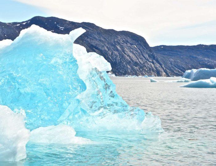private-glacier-cruise-narsap-sermia-glacier-nuuk-Guide to Greenland8
