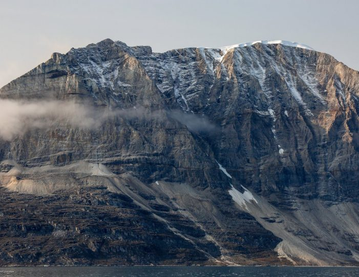 private-settlement-tour-to-saattut-uummannaq-north-greenland-Guide to Greenland5
