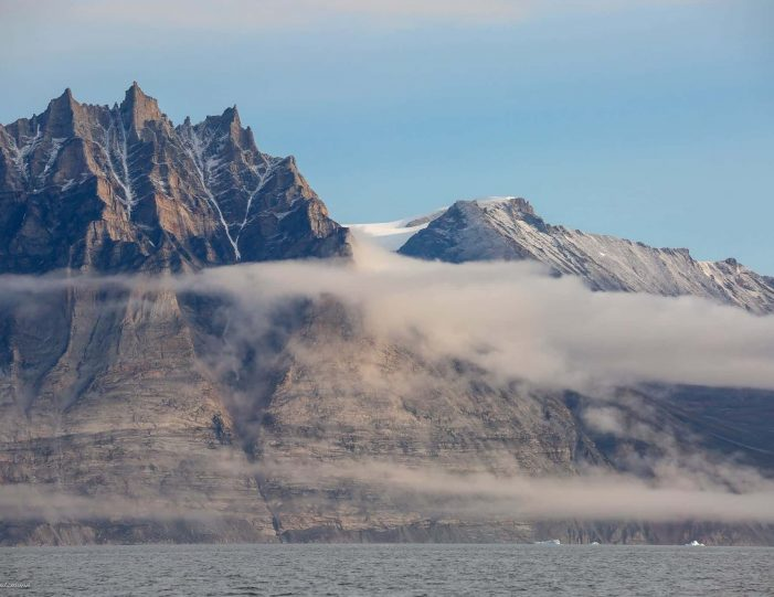 private-settlement-tour-to-saattut-uummannaq-north-greenland-Guide to Greenland6