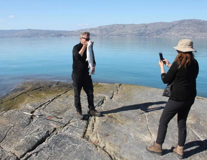 sailing-and-hiking-in-the-kangerlussuaq-fjord-west-greenland - Guide to Greenland3