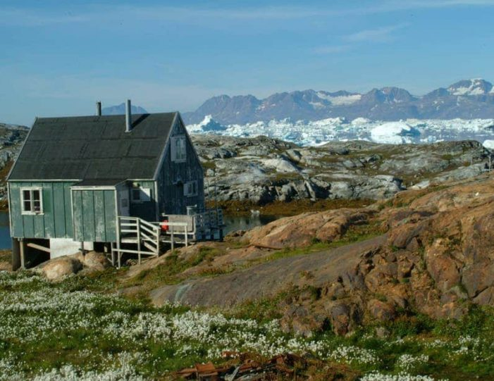 sailing-to-tiniteqilaaq-and-the-sermilik-icefjord-tasiilaq-east-greenland - Guide to Greenland1