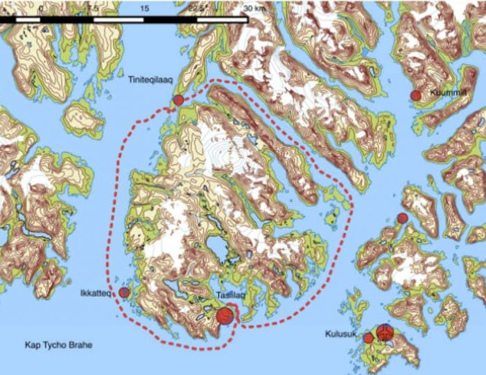 sailing-to-tiniteqilaaq-and-the-sermilik-icefjord-tasiilaq-east-greenland - Guide to Greenland2