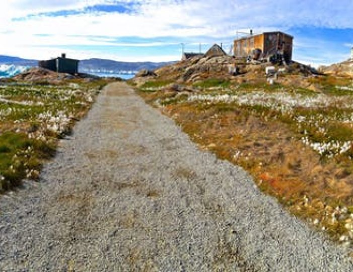 sailing-to-tiniteqilaaq-and-the-sermilik-icefjord-tasiilaq-east-greenland - Guide to Greenland4